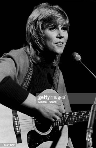 Anne Murray performs on Top Of The Pops TV show London on 29th March 1972
