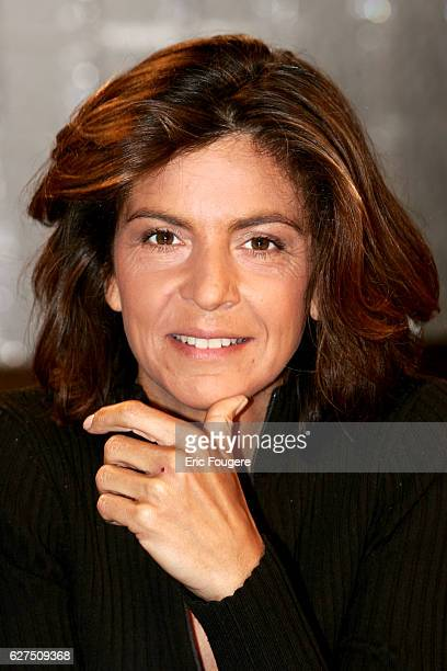 Anne Nivat on the set of TV show Culture et Dependances