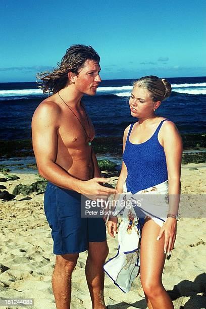 Anne Sophie Briest Hardy Krüger jr Dreharbeiten zur ZDFReihe 'Traumschiff' Folge 29 'Hawaii' Badehose Badeanzug Meer Strand Schauspieler...