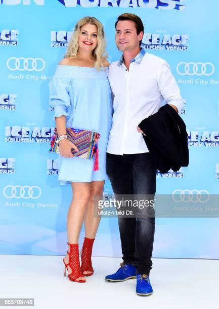 Anne Sophie Briest und Rocco Stark bei der Premiere von ICE AGE 5 DeutschlandPremiere am 26 Juni 2016 im CineStar Sony Center in Berlin