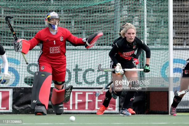 Anne Veenendaal of Amsterdam Dames 1 Kimberly Thompson of Amsterdam Dames 1 during the Hoofdklasse Women match between Amsterdam v Den Bosch at the...