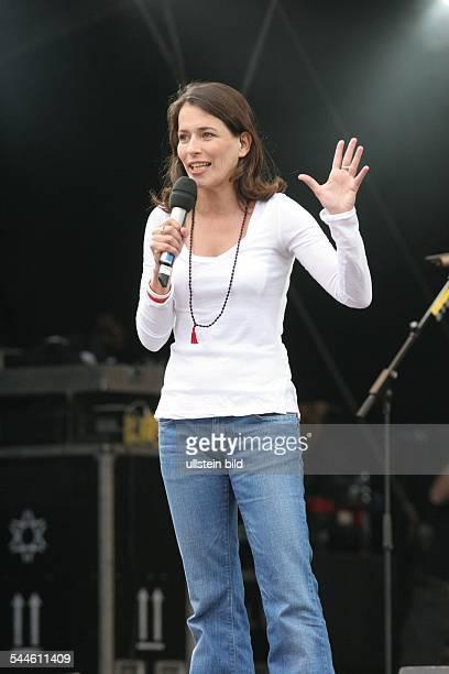 Anne Will Jounalistin Moderatorin D moderiert das Live 8 Konzert in Berlin