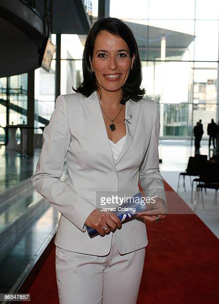 Anne Will Presenter of the CIVIS Award 2009 attends the 'CIVIS European Media Prize for Integration' in PaulLoebe House on May 7 2009 in Berlin...