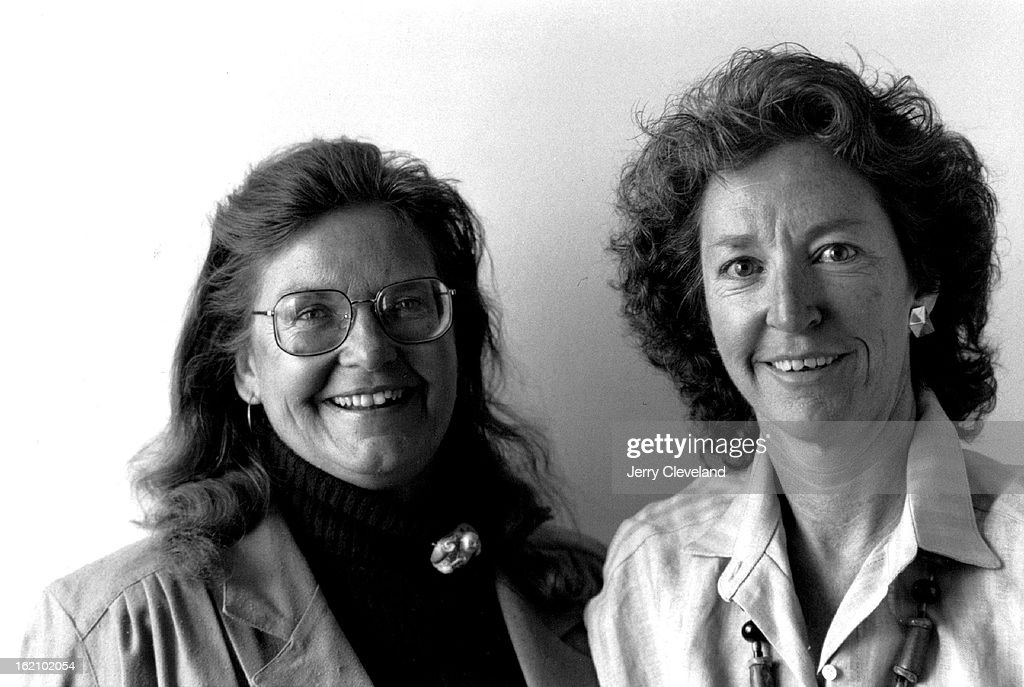 "4/18/1988, 9-1988; anne Wilson Schaef, left, and Diane Fassel, authors of ""The Addictive Organizatio : ニュース写真"