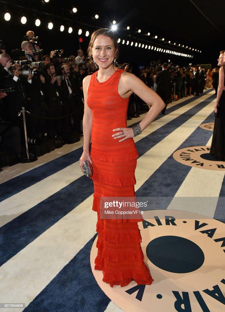 2018 Vanity Fair Oscar Party Hosted By Radhika Jones - Roaming Arrivals : News Photo