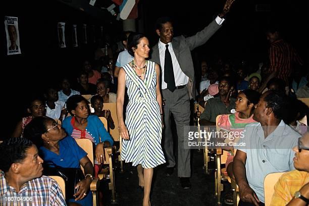 Anneaymone Giscard D'estaing In Antilles Aux Antilles en mai 1974 en campagne à l'occasion de la candidature de son mari à l'élection présidentielle...