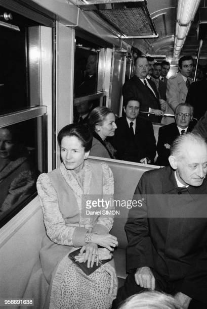 AnneAymone Giscard d'Estaing prend le RER pour se rendre de Paris à NogentsurMarne pour inaugurer un orgue sous le pavillon Baltard le 6 février 1980...