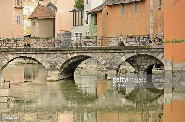 Annecy canal avec pont