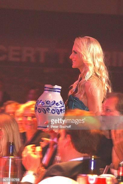 AnneKathrin Kosch 6 GalaVerleihung 'Lea Award' 2011 als Auftakt zur 'Musikmesse' Festhalle Frankfurt Hessen Deutschland Europa Auftritt Bhne Schrpe...