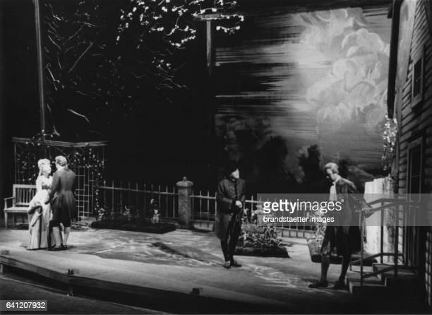 Anneliese Rothenberger as Ann Trulove Waldemar Kmentt as Tom Rakewell Eberhard Waechter as Nick Shadow und Frederick Guthrie as Trulove in >The...