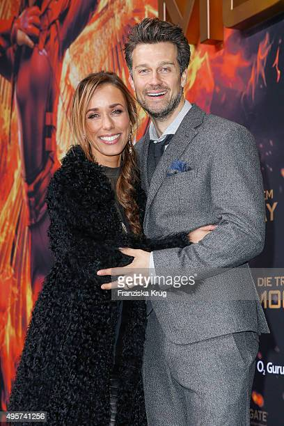Annemarie Carpendale and Wayne Carpendale attend 'The Hunger Games Mockingjay Part 2' world premiere on November 04 2015 in Berlin Germany