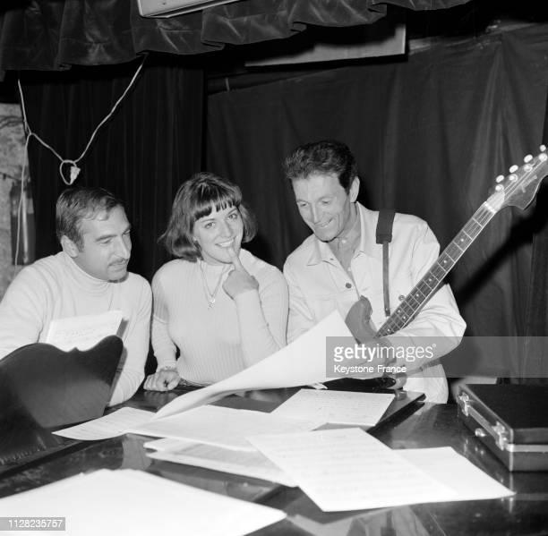 AnneMarie Peysson et son orchestre en répétition à Paris France le 5 septembre 1968