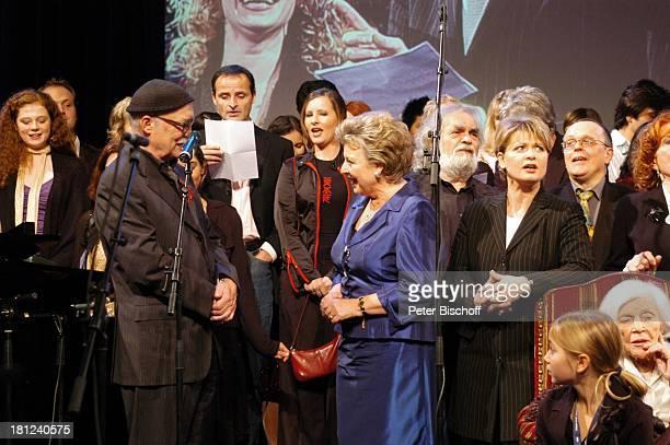 Else Kling dahinter Produzent Hans W Geißendörfer MarieLuise Marjan Harry Rowohlt Andrea Spatzek Knut Hinz weitere Darsteller Geburtstagsparty zur...
