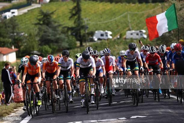 Annemiek Van Vleuten of The Netherlands / Anna Van Der Breggen of The Netherlands / Brodie Chapman of Australia / Sarah Roy of Australia / Anna...