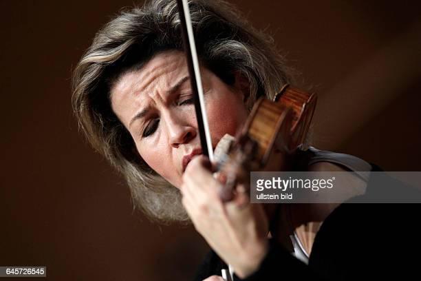 AnneSophie Mutter gastiert in Begleitung des Danish National Symphony Orchestra unter der Leitung des rumänischen Dirigenten Cristian...