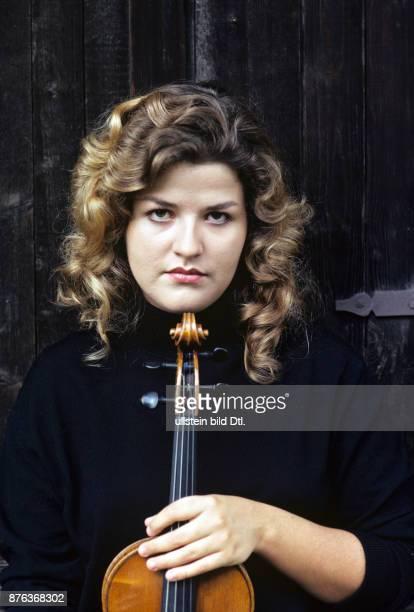 AnneSophie Mutter violinist