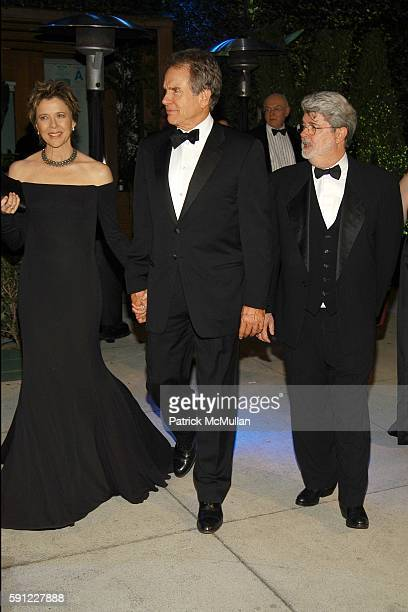 Annette Bening and Warren Beatty attend Vanity Fair Oscar Party at Morton's Restaurant on February 27 2005 in Los Angeles California