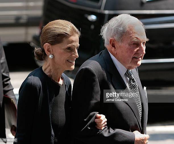 Annette De La Renta and Financier David Rockefeller arrive at the memorial service for Philanthropist Brooke Astor at St Thomas Church on Fifth...