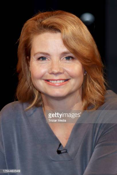 """Annette Frier during the """"3 Nach 9"""" Talk Show on July 3, 2020 in Bremen, Germany."""