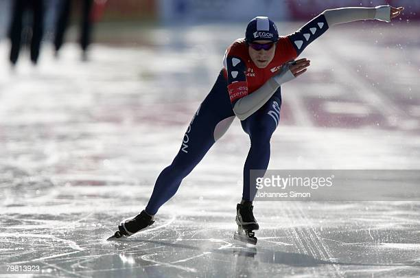 Annette Gerritsen of the Netherlands competes in the 1000m heats during Day 2 of the Essent ISU Speed Skating World Cup at the Ludwig Schwabl...
