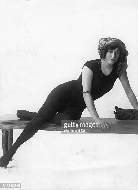Annette Kellermann*06071887Schwimmerin Sportlerin AustralienPortrait veroeff BIZ Nr 10/1910Foto Fleet Agency