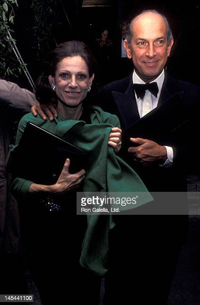 Annette Reed and Oscar de la Renta attend Literary Lions Awards Gala on November 8 1990 at the New York Public Library in New York City