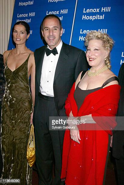 Annette Roque Lauer Matt Lauer Bette Midler during Bette Midler Receives the Medal of Distinction by Lenox Hill Hospital at 2002 Autumn Ball at...