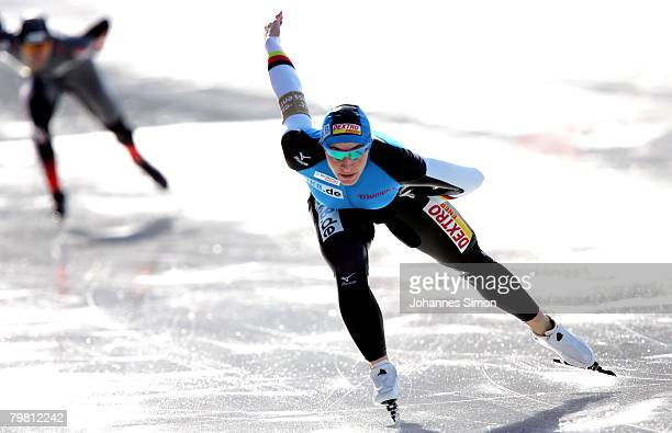 Anni Friesinger of Germany and Shannon Rempel of Canada compete in the 1000m heats during Day 2 of the Essent ISU Speed Skating World Cup at the...
