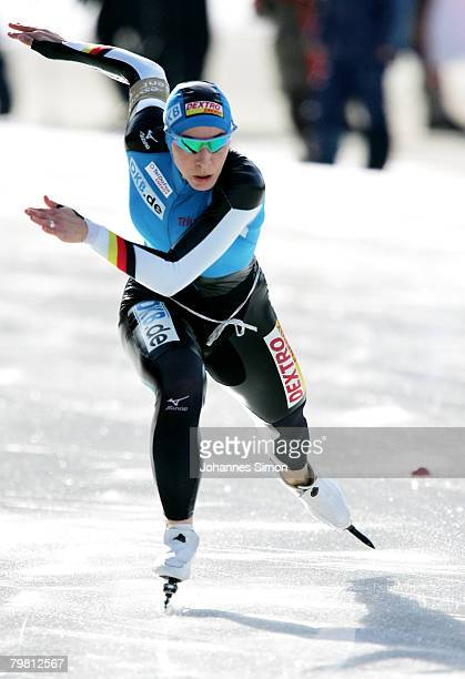 Anni Friesinger of Germany competes in the 1000m heats during Day 2 of the Essent ISU Speed Skating World Cup at the Ludwig Schwabl Eisstadion on...