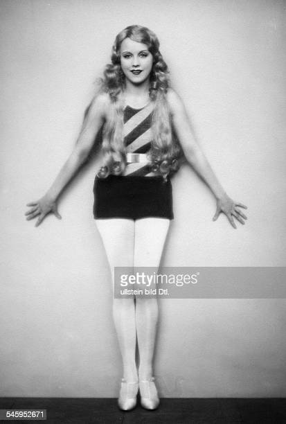 Anni Ondra Schmeling*actress Germanywearing jersey date unknown probably arround 1926photo by Atelier Martin Badekow