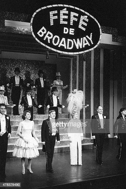 Annick Alane Roger Carel Jacqueline Maillan and Michel Roux on stage in Jean Poiret's musical Fefe of Broadway