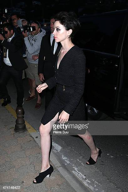 Annie Clark arrives at the Chanel and Vanity Fair Party during the 68th annual Cannes Film Festival on May 20 2015 in Cannes France