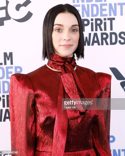 Annie Clark attends the 2020 Film Independent Spirit Awards at Santa Monica Pier on February 08, 2020 in Santa Monica, California.