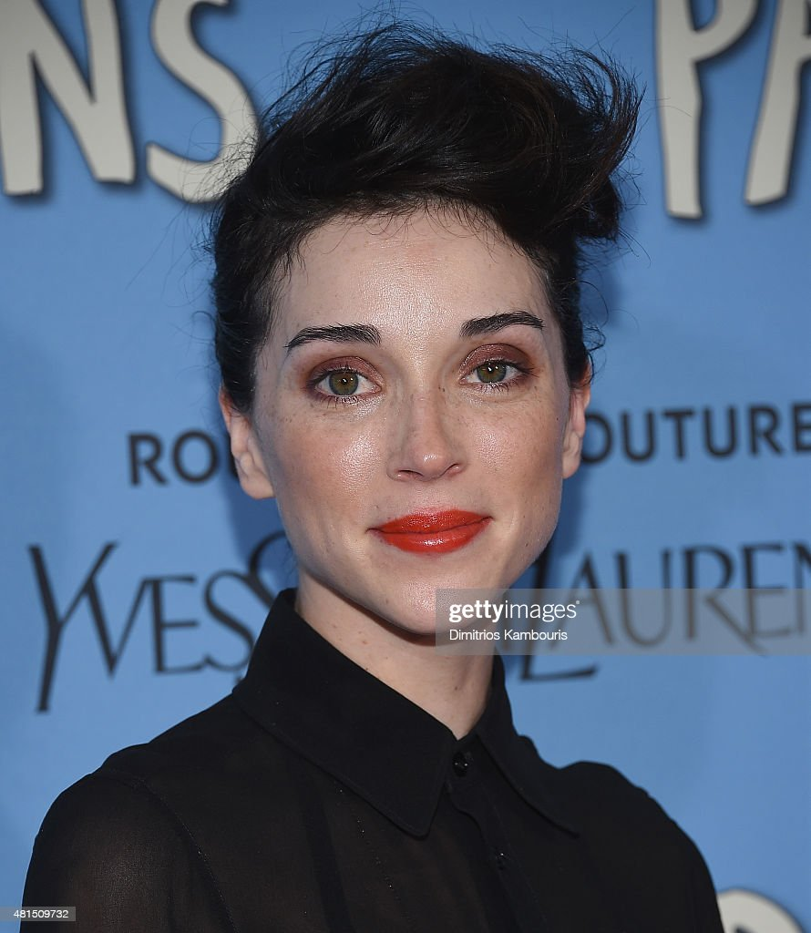 Annie Clark attends the 'Paper Towns' New York Premiere at AMC Loews Lincoln Square on July 21, 2015 in New York City.