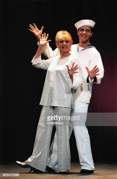 Annie Cordy fête ses 50 ans de carrière à l'Olympia le 1er septembre 1998 à Paris France