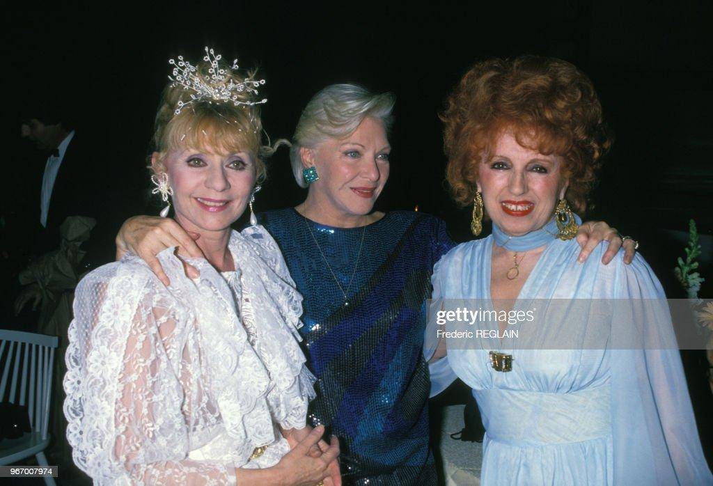 Annie Cordy, Line Renaud et Yvette Horner lors d'une soirée le 31 mars 1988 à Paris, France.