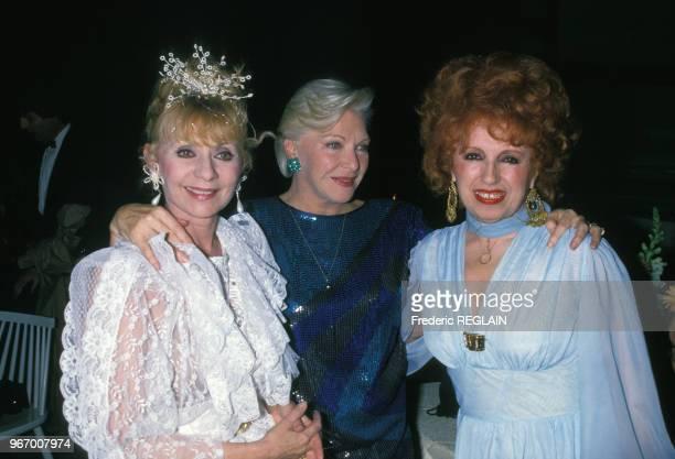 Annie Cordy Line Renaud et Yvette Horner lors d'une soirée le 31 mars 1988 à Paris France