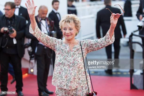 Annie Cordy lors de la montée des marches pour la première du film 'Mia Madre' durant le 68eme Festival du Film au Palais des Festivals le 16 mai...