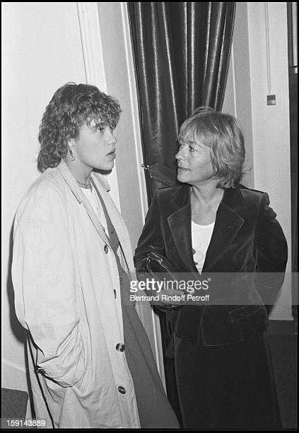 """Annie Girardot and her daughter Giulia Salvatori attend the full dress rehearsal of theater play """"Cher Menteur"""" in Paris in 1980."""