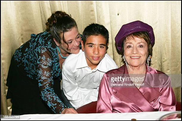 Annie Girardot , daughter Guilia Salvatori and grand children Renato and Lola - Alain Delon and Muriel Robin celebrate Annie Girardot birthday by...