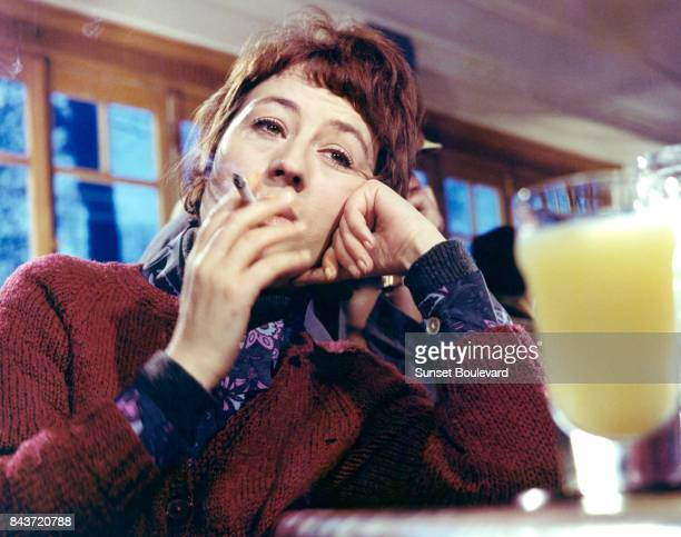 Annie Girardot on the set of Elle boit pas elle fume pas elle drague pasmais elle cause directed by Michel Audiard