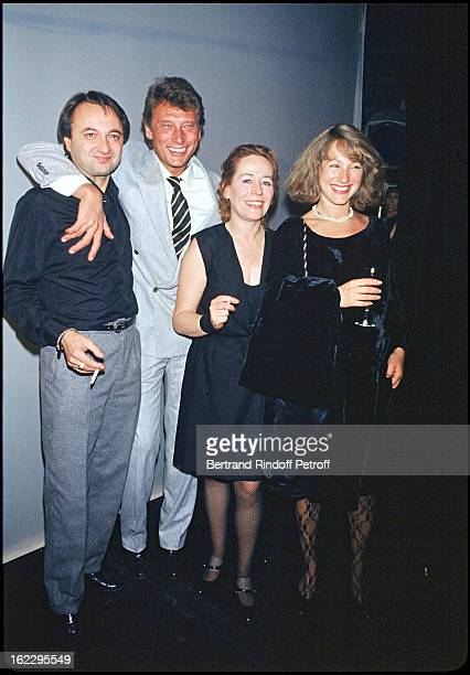 Annie Girardot with her friend Bob Decout Johnny Hallyday and Nathalie Baye at Marguerite et Les Autres dress rehearsal Paris 1983