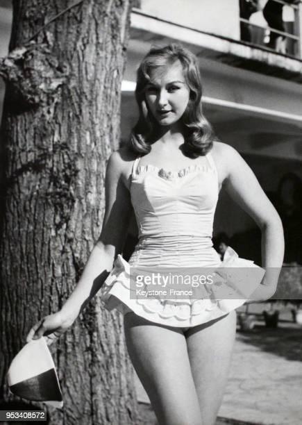 Annie Gorassini ancienne miss Italie et consultante pour Miss World porte un maillot de bain modèle '1800' lors de la présentation d'une collection...