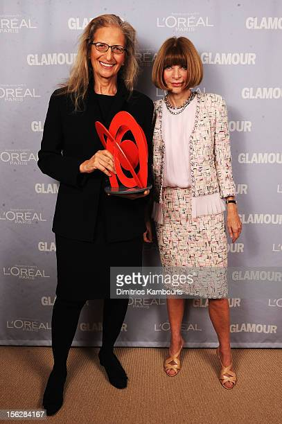 Annie Leibovitz and Anna Wintour pose backstage at the 22nd annual Glamour Women of the Year Awards at Carnegie Hall on November 12 2012 in New York...