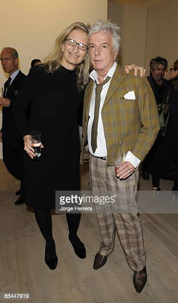 LONDON OCTOBER 23 Annie Leibovitz and Nicky Haslam during the Annie David Bailey and Annie Leibovitz reception at Phillips de Pury on October 23 2008...