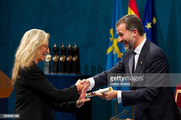Annie Leibovitz receives from Prince Felipe of Spain the Prince of Asturias Award for Communication and Humanities during the 'Prince of Asturias...