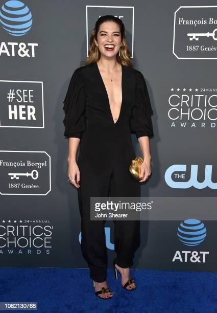 Annie Murphy attends The 24th Annual Critics' Choice Awards at Barker Hangar on January 13 2019 in Santa Monica California