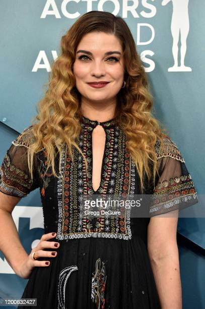 Annie Murphy attends the 26th Annual Screen ActorsGuild Awards at The Shrine Auditorium on January 19, 2020 in Los Angeles, California. 721430
