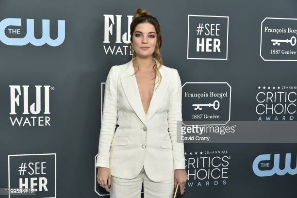 Annie Murphy during the arrivals for the 25th Annual Critics' Choice Awards at Barker Hangar on January 12 2020 in Santa Monica CA