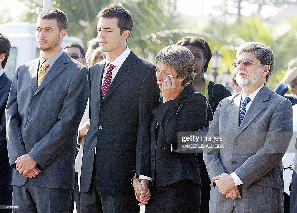Annie Vieira de Mello (2nd,R) widow of B : News Photo